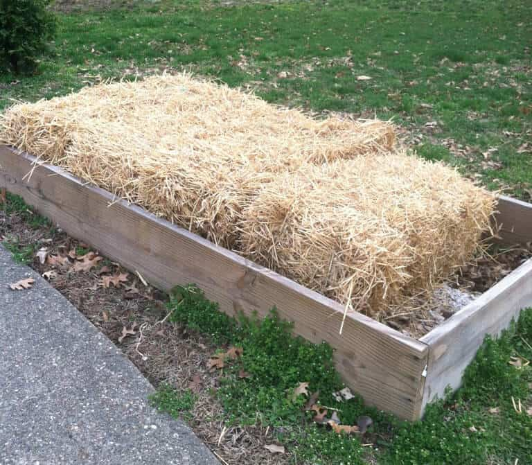 Straw bales in containers