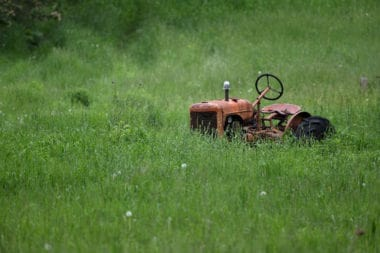 Lawn Tractors vs. Zero Turn Mowers. What is the difference?